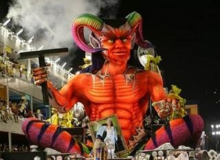 Diabo e o carnaval Festa Pagã que em Roma homenageia Baco, cujo nome latino é Dionísio.